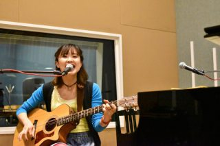 潤雅(yuna)さんギター弾き語り