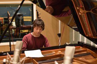 BisSunnyさんのレコーディングをギターとピアノの同時録音で行いました!