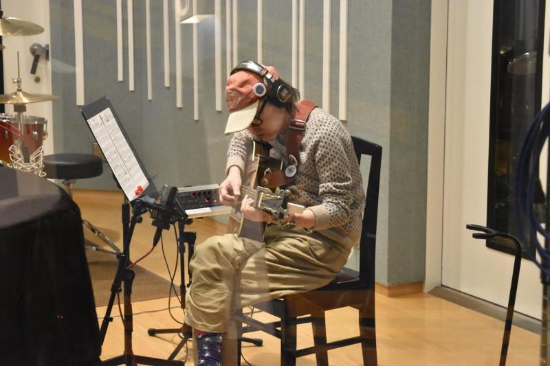 ギター界の重鎮「中川イサト」さんのレコーディングを行いました!